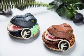 ジュラシック・ワールド カフェ テイクアウトメニュー リアルなケーキ T-rex Blue